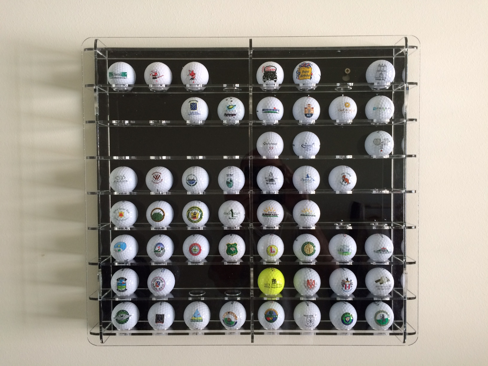 Example of a customized golf-ball case